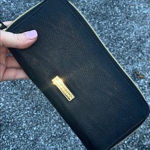 Steve Madden zip around wallet black gold clutch